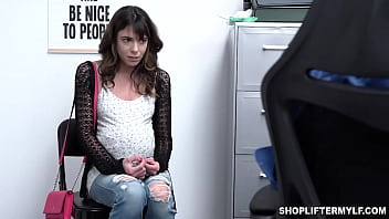 Fake pregnant shoplifter Vera King got caught