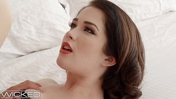 Evelyn Claire Takes Cumshot On Her Stiletto Heels