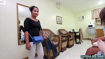 Big Booty Filipina gets fucked by big dick