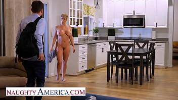 Naughty America - Ryan Keely is relaxing in her hot tub