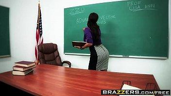 Brazzers - Big Wet Butts - Wet Dream scene starring Lisa Ann and Manuel Ferrara