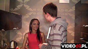 Darmowe filmy erotyczne - Chyba jednak nie chciała - występuje Aisha