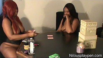 Nilou Achtland & Eve: Lesbian Card Game #1