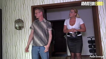 AMATEUR EURO - German Cougar Gets Cock From A Sales Guy