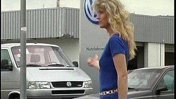 Blonde auto-stoppeur