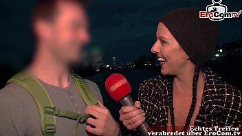 Öffentliches deutsches Casting auf der Straße mit unbekannten Leuten