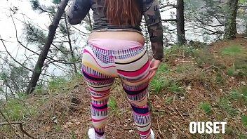 Mujer con culo grande es cojida en la selva. A ella le encanta que la follen en lugares públicos! para ver mas contenido privado siganme en www.onlyfans.com/ouset