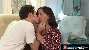 Hot mature mom sex