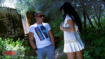 Spanish pornstar Damaris outdoor fucking with Leo Galvez