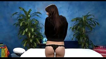 Skinny playgirl enjoys unfathomable insertion