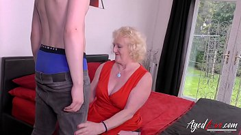 Older horny mature lady tries youngster hardcore