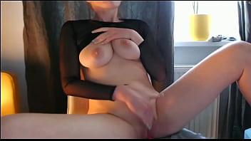Girl can't control orgasm