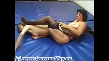 Bruenette bikini models