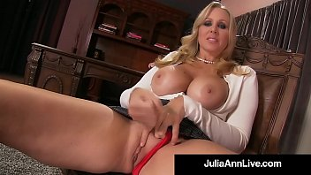 How To Jack Off - Stepson Gets Lesson From Julia Ann!