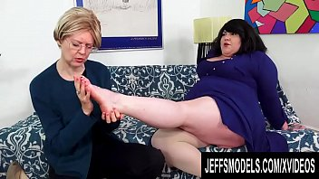 Lesbian Plumper Bella Bendz Has Her Asshole Reamed by Strapon Wearing Granny