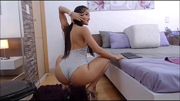 sarithabrown-  moving his great and spectacular ass- model webcam latina