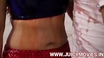 indian actress kissing