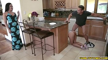 Esperanza del Horno gets pounded by her stepdad!