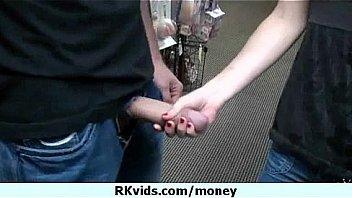- Je payer de largent...