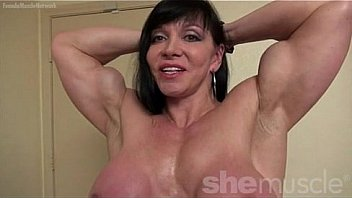 Jana Linke FBB Pose and Flex Nude