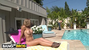 BANGBROS - Insatiable Rich Cougar Demands & Gets Dick From The Help