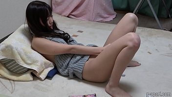 Young japanese using dildo to get an orgasm