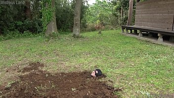 A slave buried alive by the japanese mistre