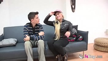Mature, milf and party girl. Nerea Keys hasn't tasted a cock in a long time and Jordi practically breaks her pussy