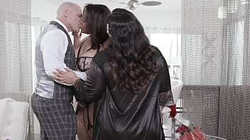Plump Girls Having Sex With A Bald Dude