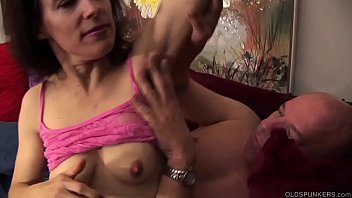 Super sexy oldspunker in stripey stockings is such a hot fuck