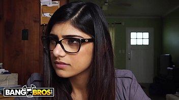 Bangbros mia khalifa gets the threeway she desires her boyfriend be damned