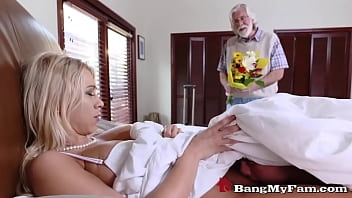 Horny Lad Licks & Fucks Hot Blonde Stepmom Pussy While Dad Is Out