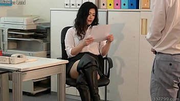 The Female Company President's Masochistic Employee's Complete Training