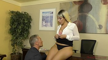 Valentina Jewels Makes Her Boss Kiss Her BIG ASS