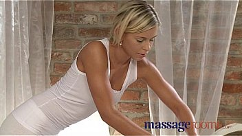 Massage Rooms Blonde teen massages client's cock with her tight pussy