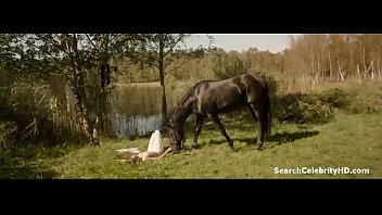 Georgia Scalliet and Alix Benezech - L'odeur de la Mandarine (2015)