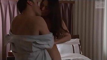 Watch Japanse vrouw geneukt met echtgenoot vriend (Mehr sehen: shortina.com/CmvmvCY) preview