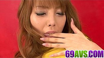 Shaved Aizawa Ren loves stimulating herself in solo
