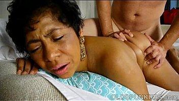 Super sexy mature black BBW is a very hot fuck