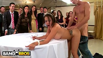 BANGBROS - Jamie Valentine, Veronica Rodriguez & Rikki Six Crash A Party!