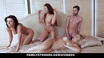 Family Stokes - Stepmom (Sarah Vandella) Got Played And Fucked By Her s.