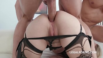 Big butt nympho Lisey Sweet fucked by multiple studs in epic XXX ass cramming orgy