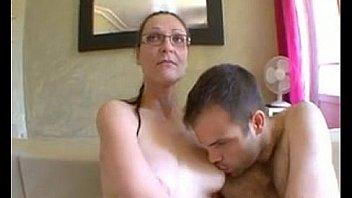 Le propriétaire est baisée par une femme infidèle - Denise la Bouche