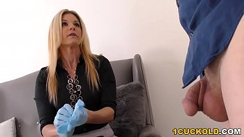 Blonde MILF India Summer gets her pussy stretched by Davin King's huge black cock Thumbnail