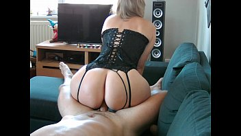 Best sexy lingerie for fuck her huge ass, she have a the best big white ass on the world !