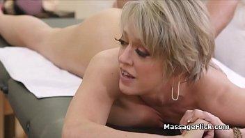 Teen rims masseur while he bangs a big tit milf