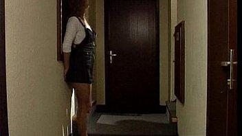 Inculata ad una sconosciuta in albergo!