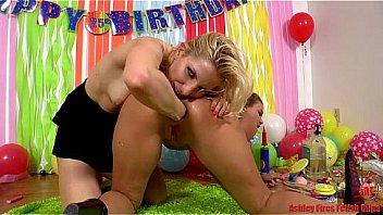 Ashley Fires and Roxy Raye...
