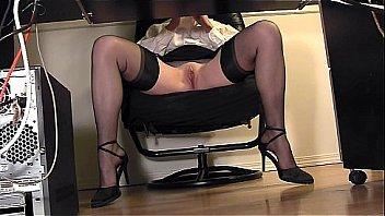 secretary has no panties!