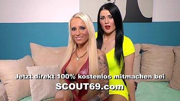 Mega Titten Tatoo Hure aus Hamburg Dana Jayn besorgt es sich selber mit Toy im Po - German Amateur